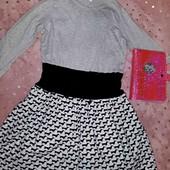 Бомбезное хлопковое платье в идеале,на девочку7-8 лет
