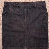 В отличном состоянии фирменная юбка (темно-синяя, стретч), р-р 16,( 99% коттон