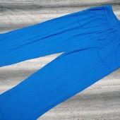 Яркие трикотажные спортивные штаны