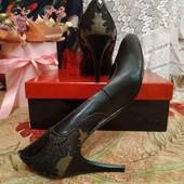 Туфли кожаные, очень красивые и удобные!