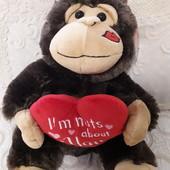 Мягкая обезьяна с сердцем 28 см с этикеткой