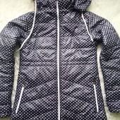 Демісезонна, легенька, тепленька куртка у відмінному стані!
