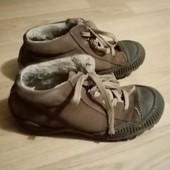 Коричневые зимние кожанные ботинки р. 34, стелька 21,5 см