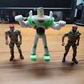 Фигурки, роботы, солдатики. В лоте всё, что на фото.