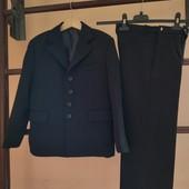 Качественный костюм тройка Rosler 50р (122-128р), в отличном состоянии, смотрите замеры