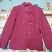 Шерстяной теплый пиджак, удачная приталенная модель