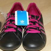 Кроссовки Adidas. Оригинал, из натуральной кожи, 41 р. Комфортные.