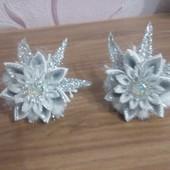 Новогодние цветочки—снежинки
