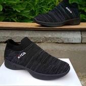 Легкие текстильные кроссовки