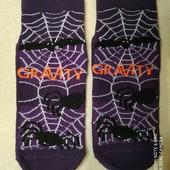 Коротенькие носочки ,просиликоненный подошва  28 Gravity