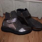 Демисезонные ботиночки р.36 стелька 22.5см.