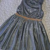 Новое нарядное фатиновое платье Next,по бирке 4-5лет!
