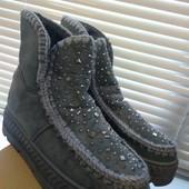 Теплые,удобные и симпатичные меховые ботинки р.36