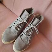 Шикарні, сіренькі черевички на високій, міцній підошві ❤️не пропустіть ❤️